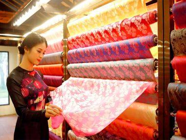 How to distinguish natural silk