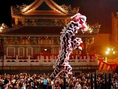 Vietnamese unicorn and lion dances